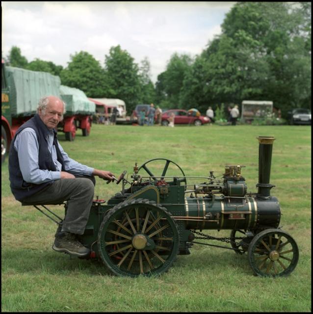 tractor1web1.jpg